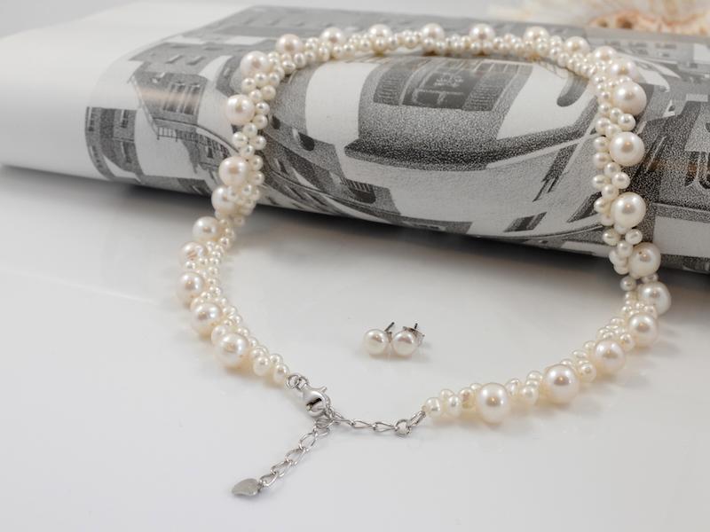 Creamy white blossom set clasp