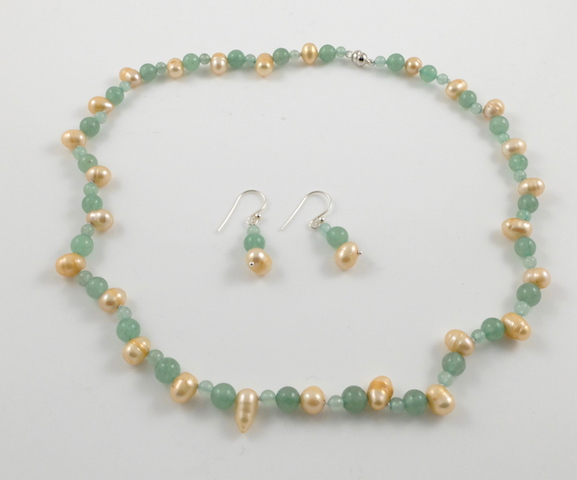 Gold Pearl & Jade Set