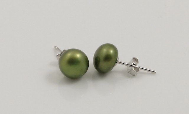 Metalic Green Pearl studs