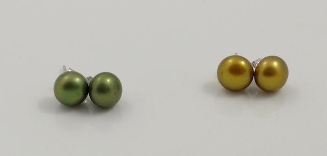 Metalic colour Pearl studs
