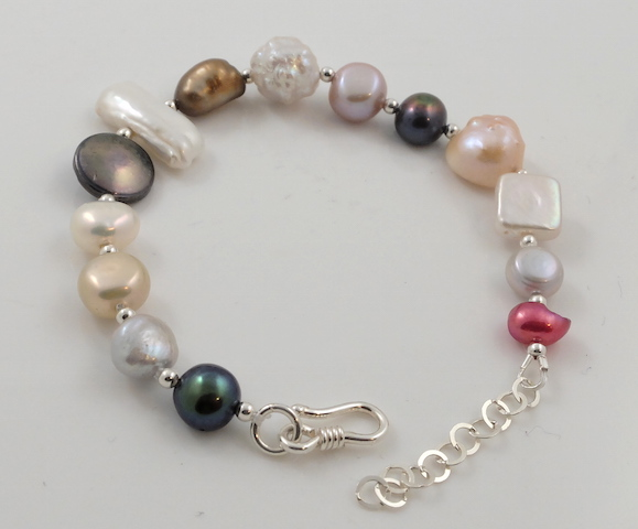 Multi shape & colour pearl bracelet 2