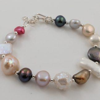 Multi shape & colour pearl bracelet