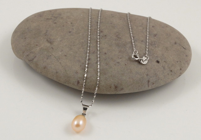 Pink drop pearl pendant & chain