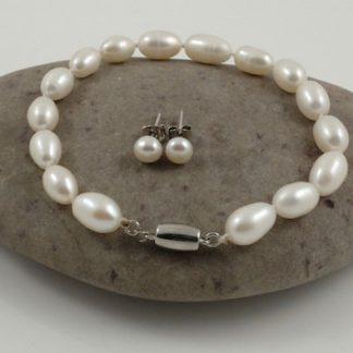 Single Rice Pearl Bracelet & Studs