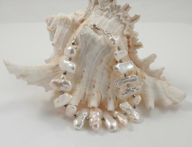 White Biwa Pearl Bracelet 3