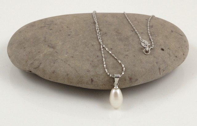 white drop pearl pendant & chain 2