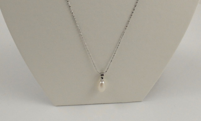 white drop pearl pendant & chain 3