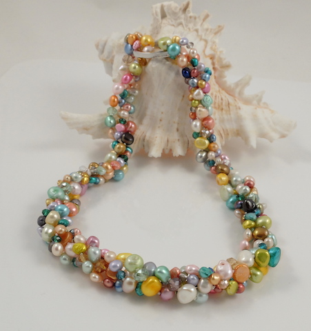 Multi-colour Pearl Long NL Twisted