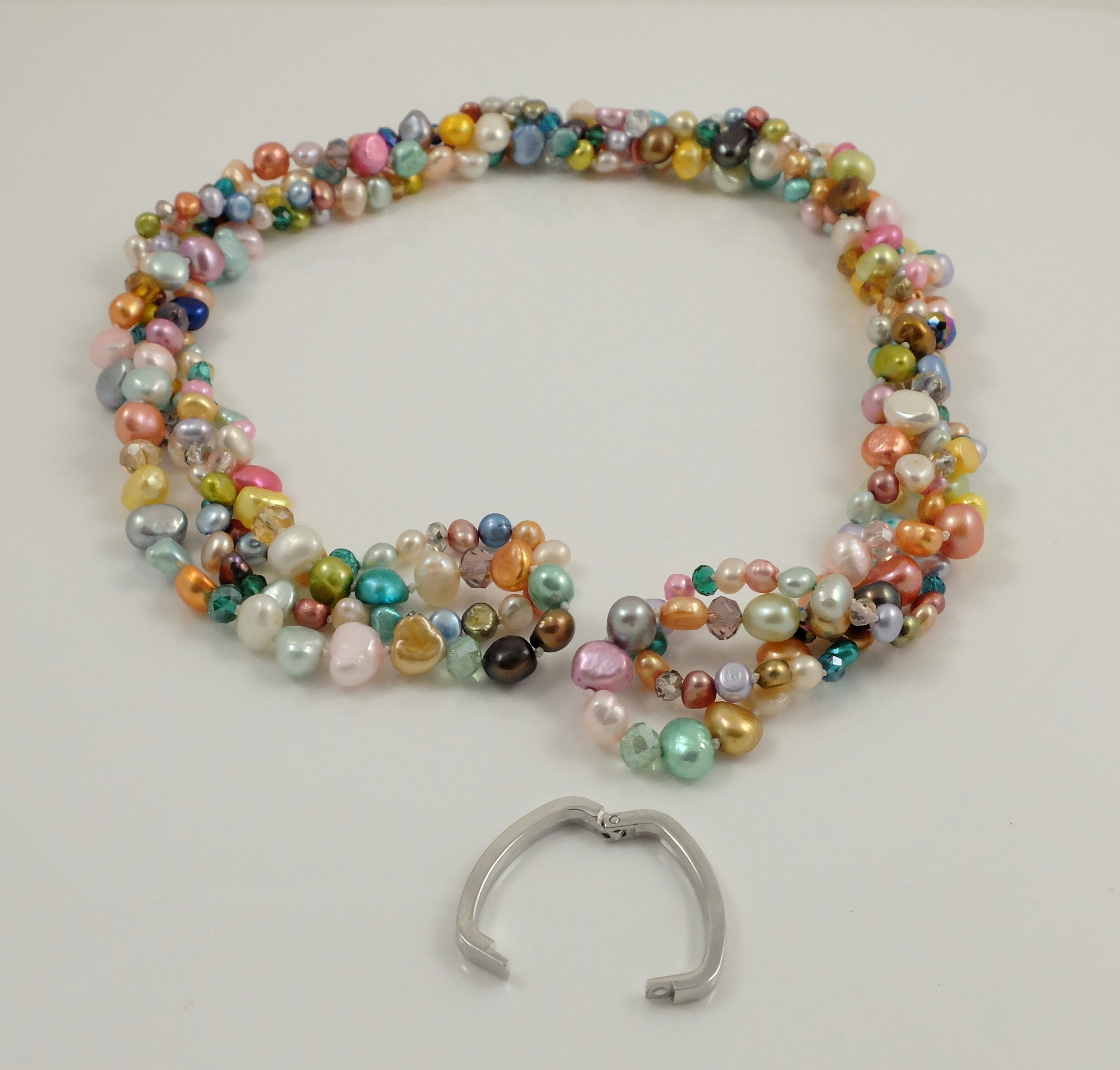 Multi-colour Pearl Long NL Twisted 5