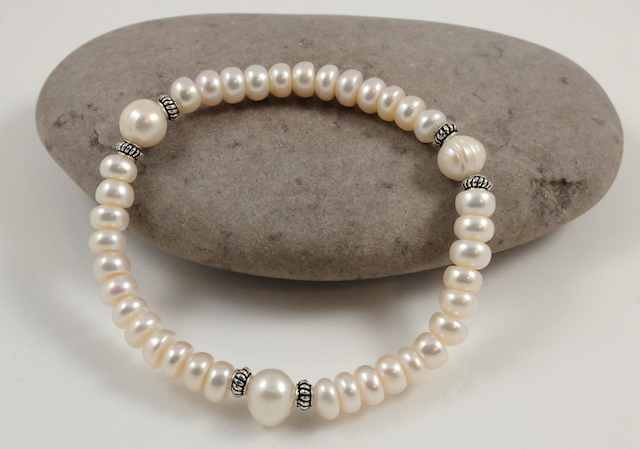 cream potato pearl bracelet
