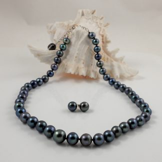 8-9 black round pearl & silver lobster clasp