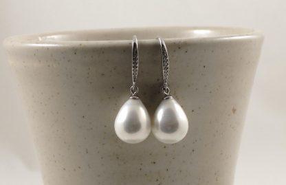 White Seashell Pearl Earrings