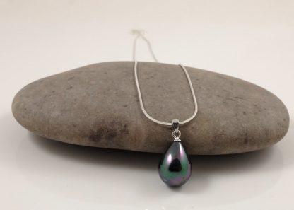 Silver Black Seashell Pearl Pendant & Chain