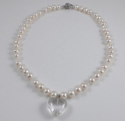 White oval pearl & crystal heart 17.5''