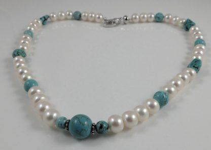 Potato pearl & Howlite necklace